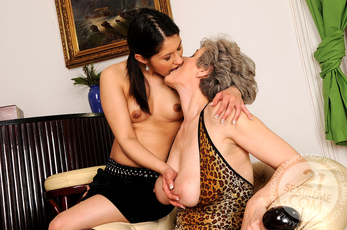 Lesbian Young Old Strapon