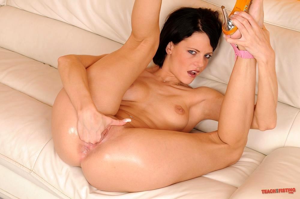 Liz valery enjoying nasty footsex porn photo online