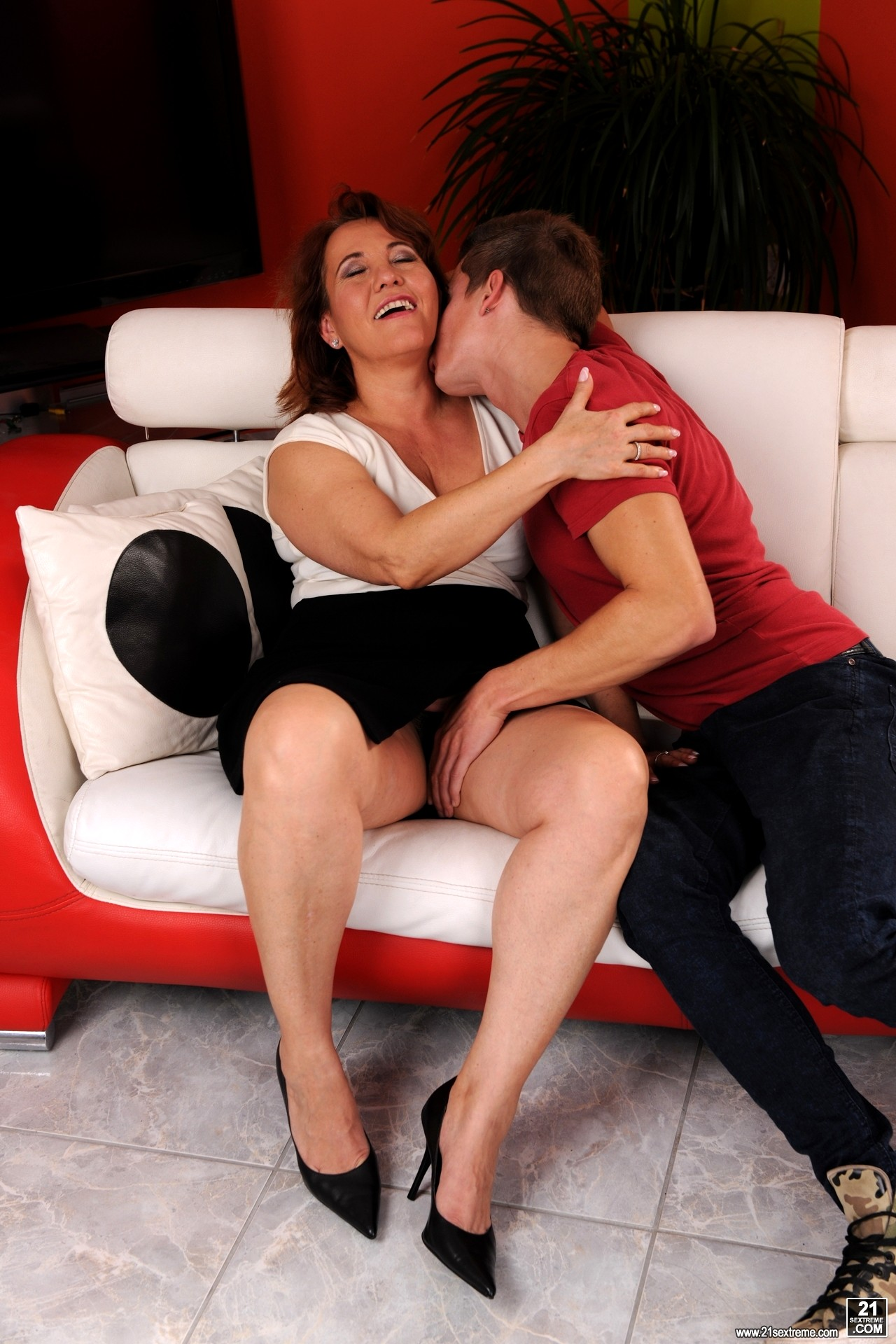 Sex Hd Mobile Pics 21 Sextury Red Mary Deluxe Mature Vr Porn-7715