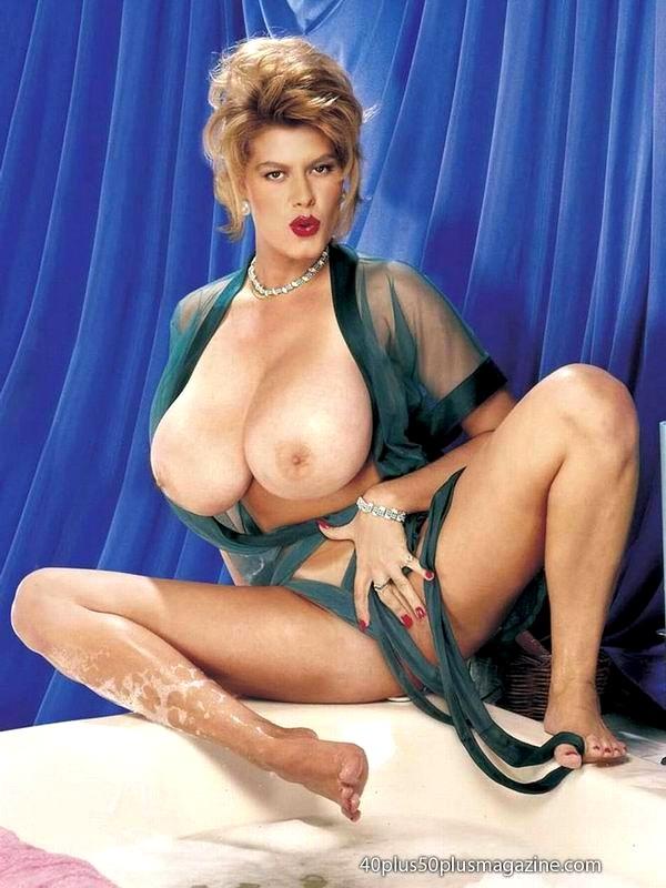 Rani mukherjee hairy cunt nude