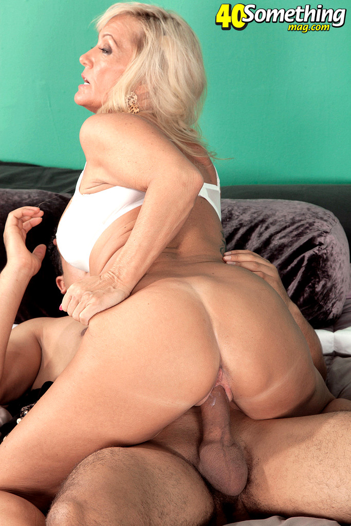 middle-aged-blondes-fucking-hot-chubby-chick-tubes