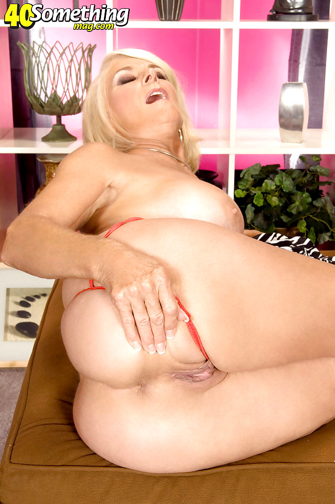 40 Something Mag Georgette Parks Massive Spreading Pin Sex -9020