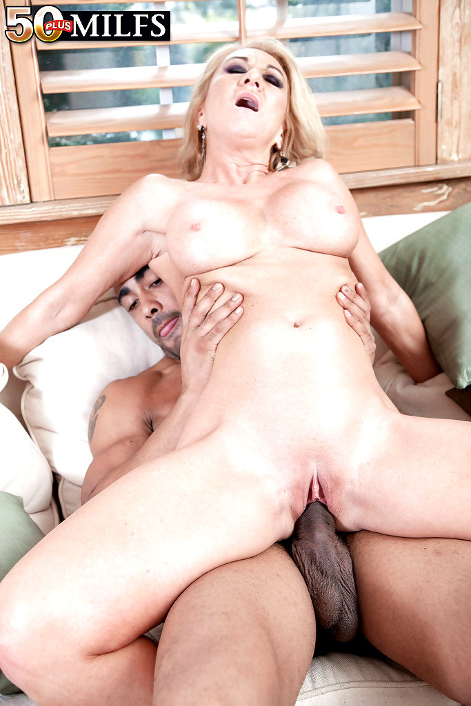 Mature Women Spreading Their Legs