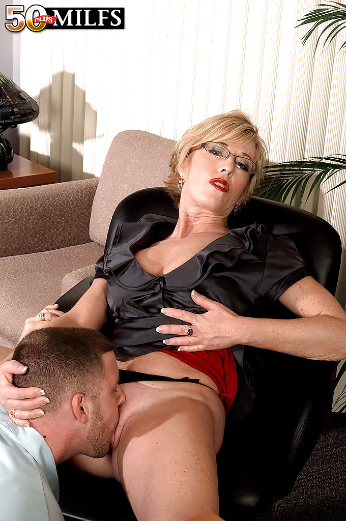 Old mature secretaries porn movies-6856