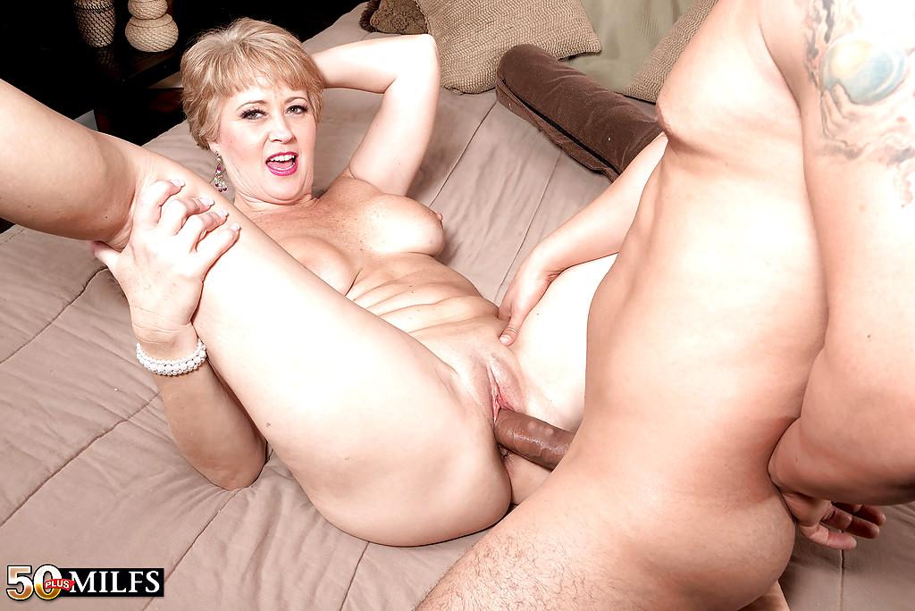 Hot sexy grandma fucking