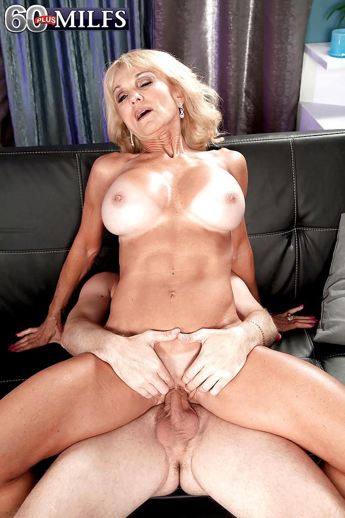 Adele Silva naked