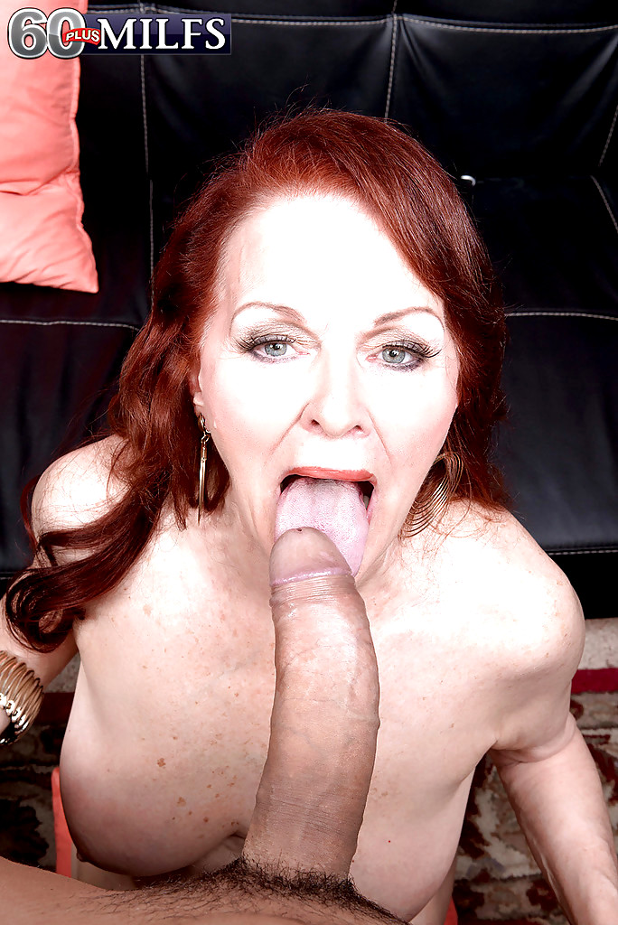 Incredibly sexy milf blowjob on amateur webcam tv show 2