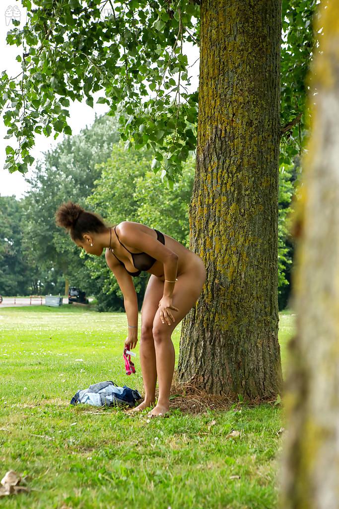 podsmotrennoe-golie-devki