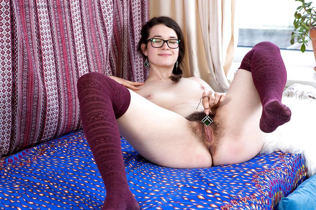 Hairy Amateur Alice Xkeezmovies 1