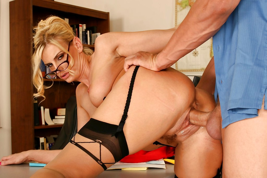 Free hd mature blonde teacher is often having casual sex with her students, while alone
