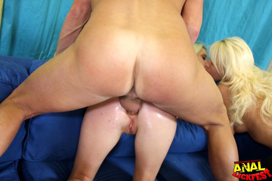 Kissy kapri anal
