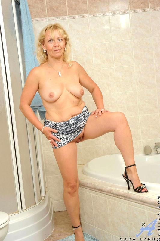 Czech fat mom