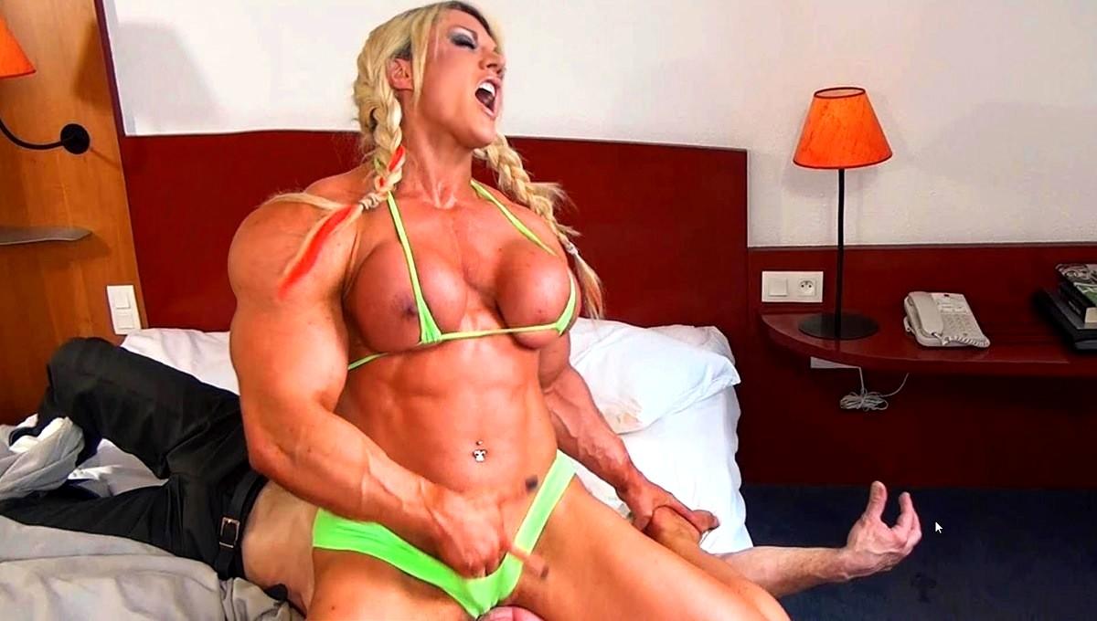 Flex bodybuilder show with some extra XXX benefits