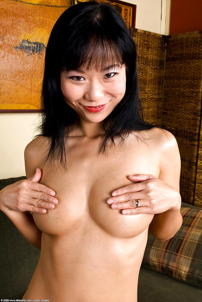 kitayskie-shlyuhi-moskvi-eroticheskie-filmi-s-dzhanin-lindmyulder
