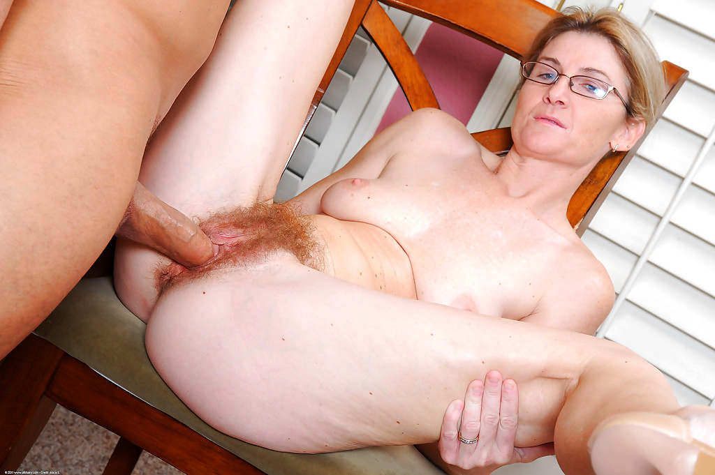 Mature women riding hard dicks #4