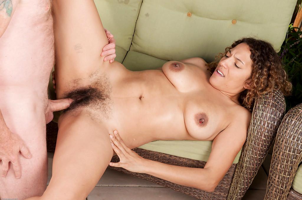 big boobs girl busty clips