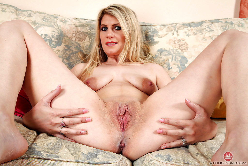 Blonde saggy milf