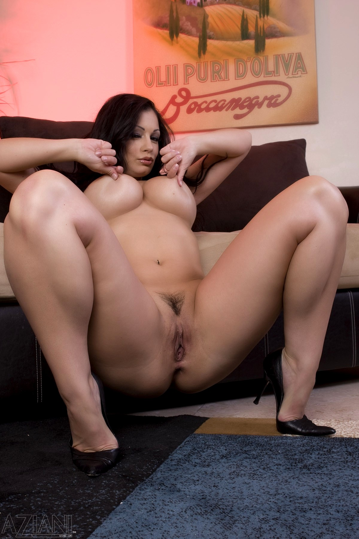 Free Curvy Brunette Mature Pictures Collection
