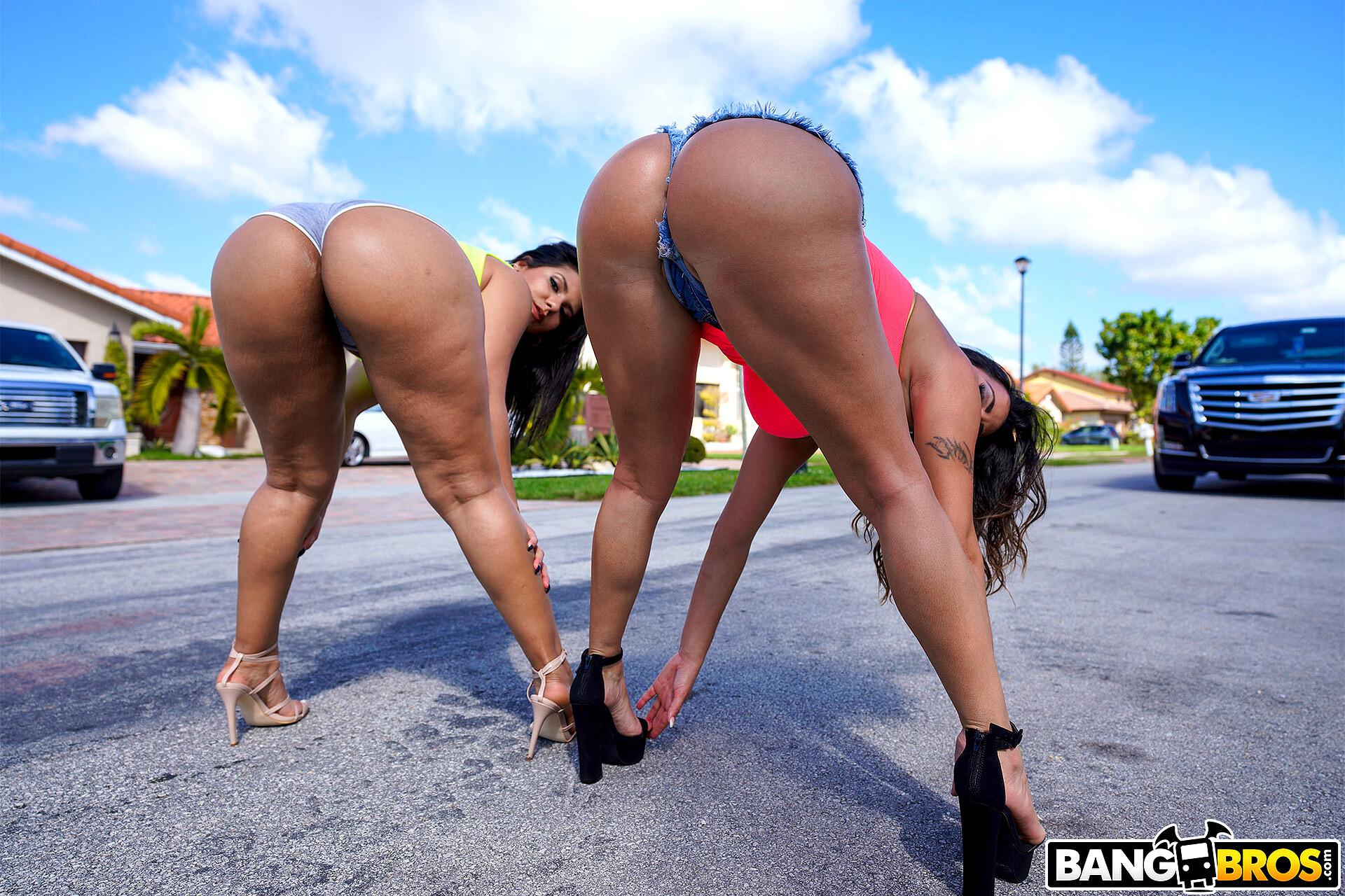 Brazilian Webstripper Striptease So Hot For You Big Booty Teen Shaking Ass