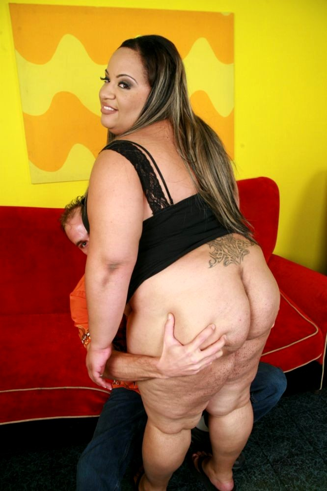 Supersized Bbw Ginger Teasing Her Rolls Pichunter Xxxstreams 1