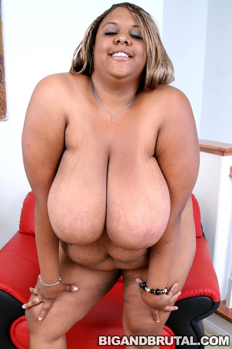 Bbw cubby girls playing with a strapon