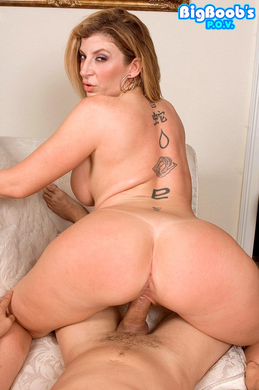 Big Boobs Pov Sara Jay Picks Blonde Up Sex Hd Pics-3544