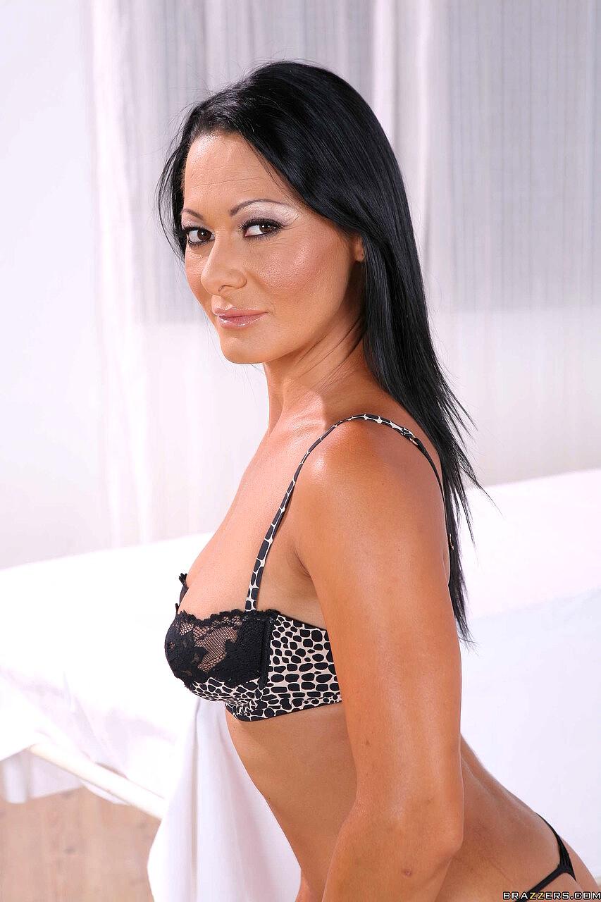 Sandra Romain Solo