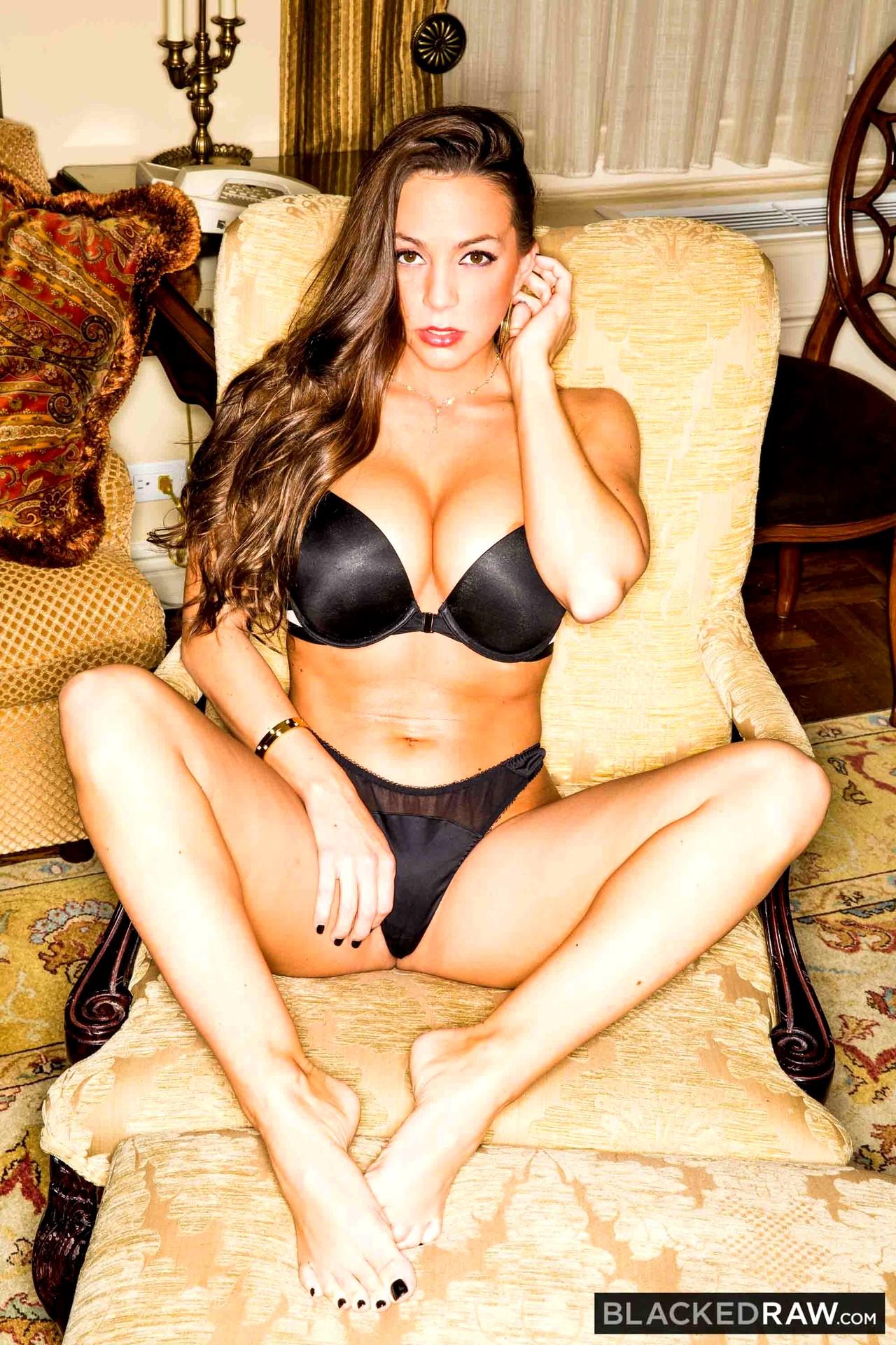 Nicole Aniston Abigail Mac