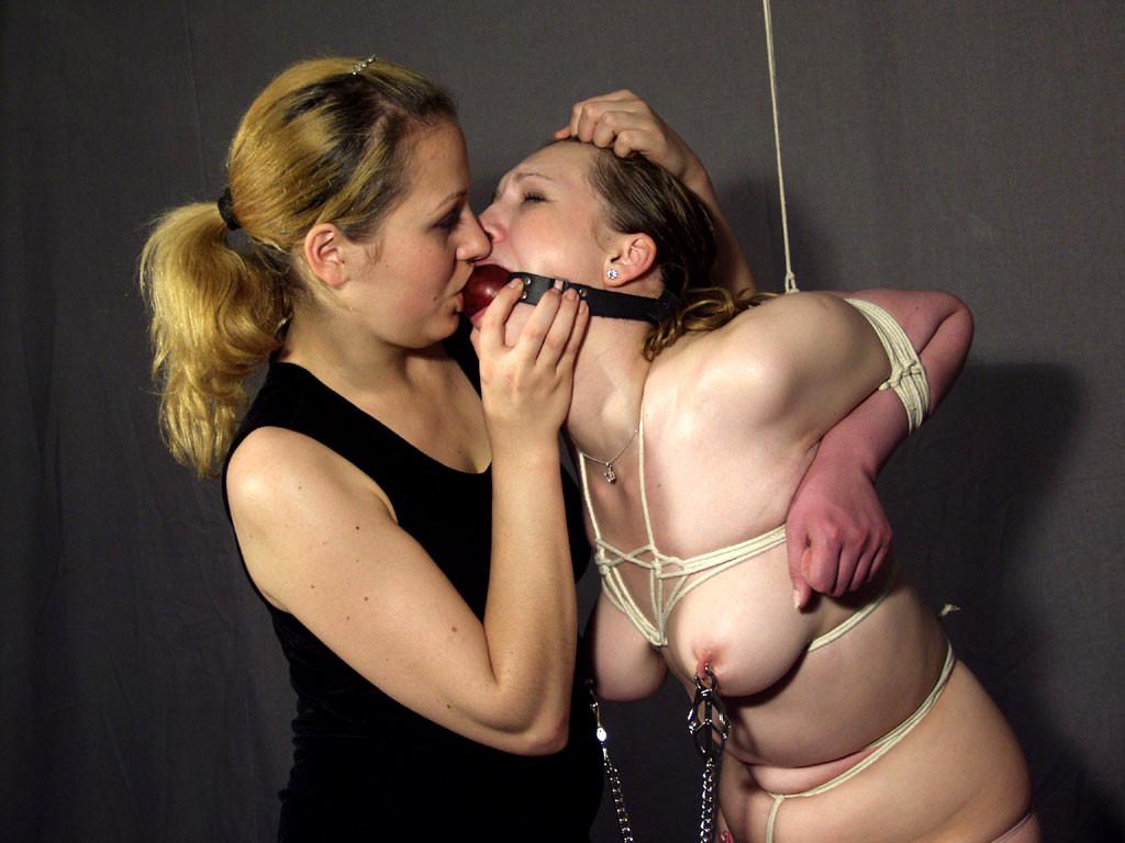 Bondage Lesbians