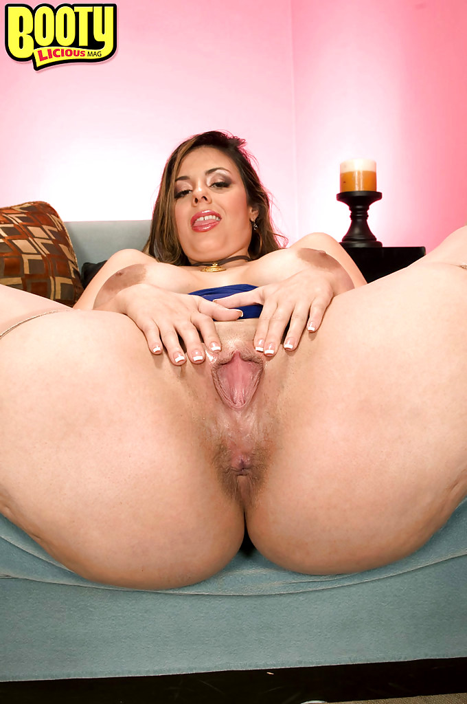 Cassia riley is rubbing herself all over - 2 5