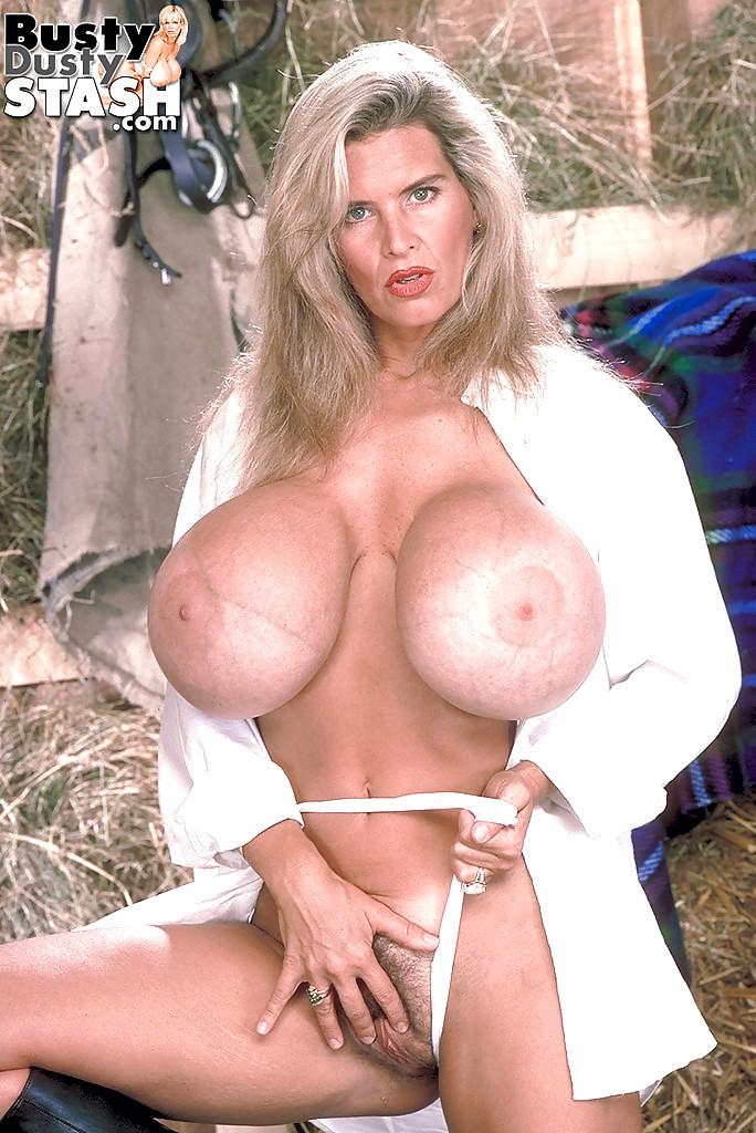 Hot girl big boobs porn