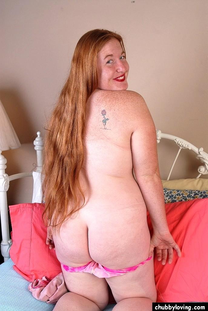 Cute plump redhead spreading-9056