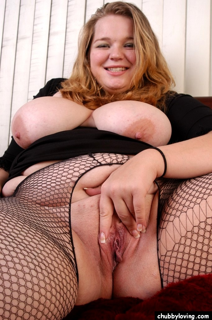 Big dildos and tight pussies