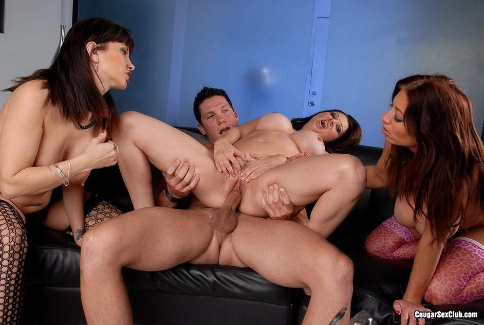 Cute milf in lingerie masturbates while sucking a lucky cock
