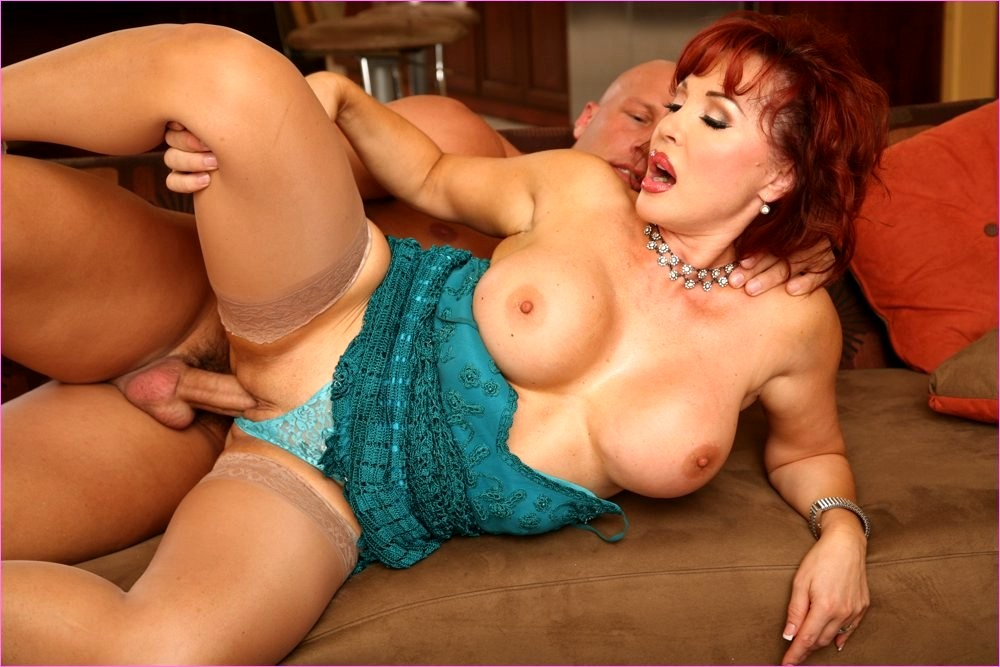 Big milf porn photo