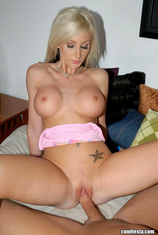 Big booty topless girls