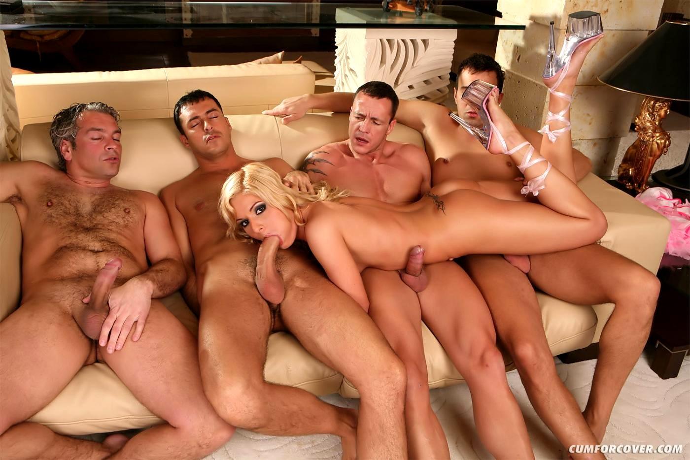 Смотреть порнуху без ограничения по возрасту групповуха
