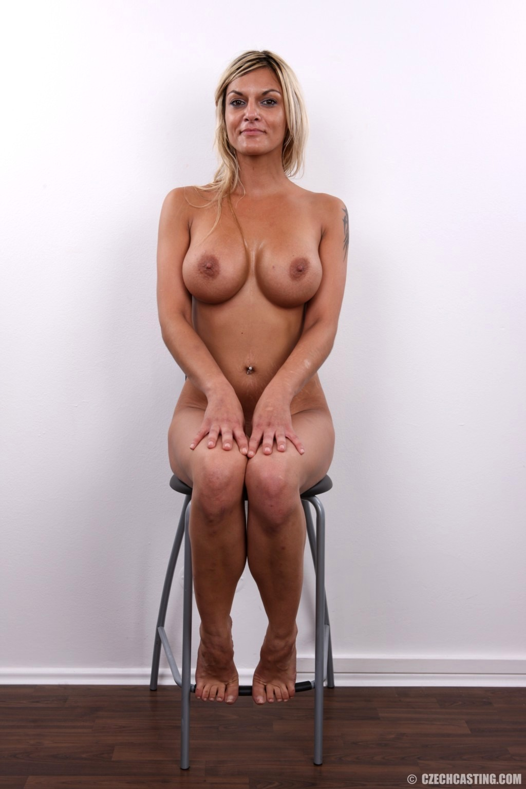 image Kirsten price sexy black chair solo