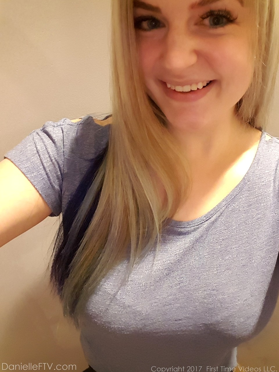 Danielle Ftv Selfie