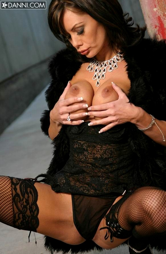 Big chubby natural tits and blowjobs