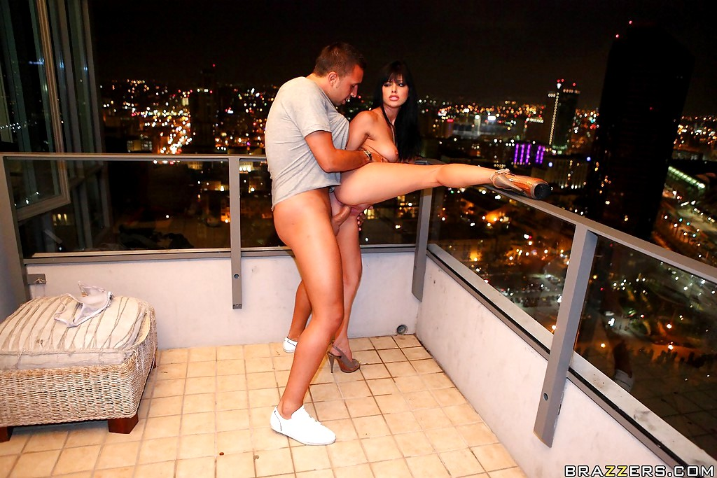 Sex on the balcony with my neighbors daughter during christmas holiday