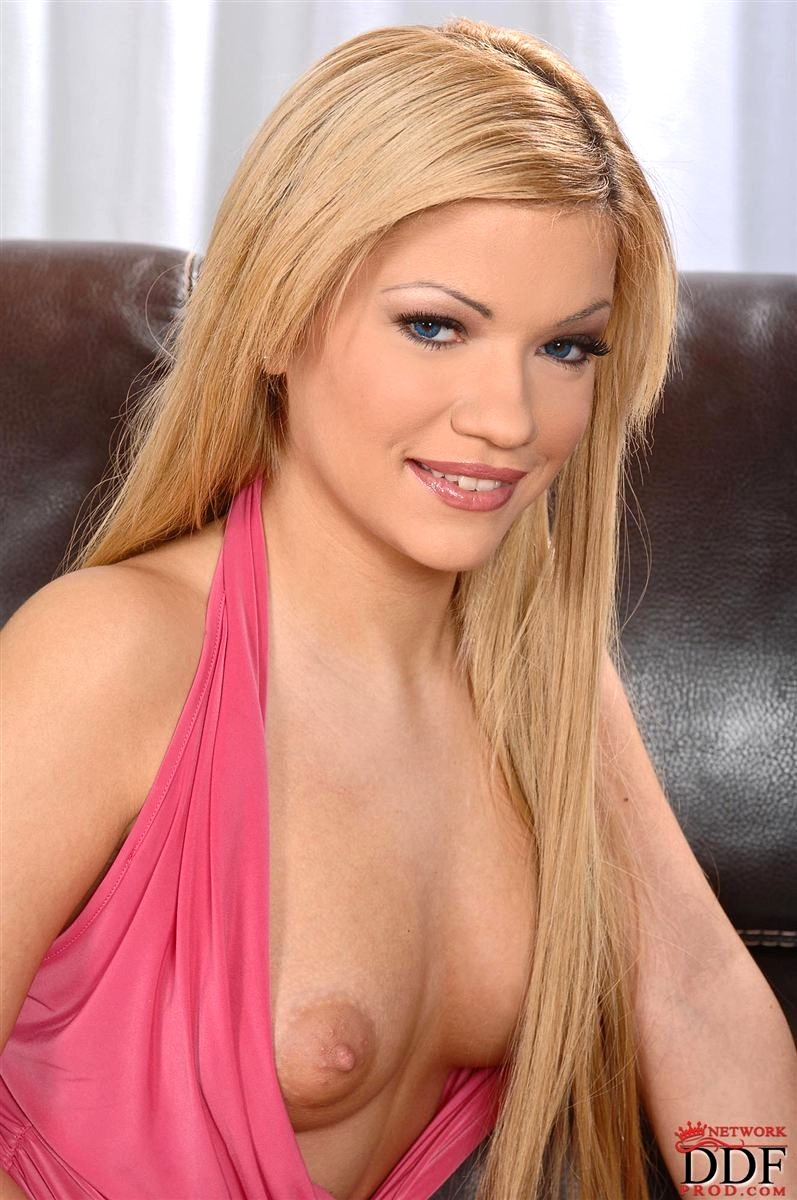 Euro blonde puma swede in all girl threesome 9