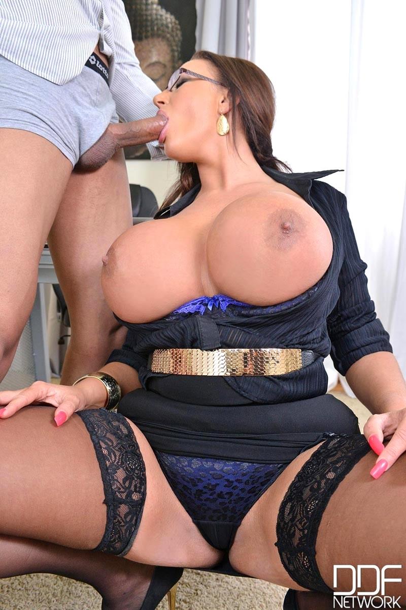 emma butt big tits at work