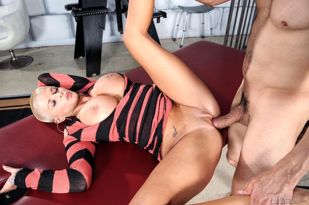 pretty Erotic Mature Milf all that sexy