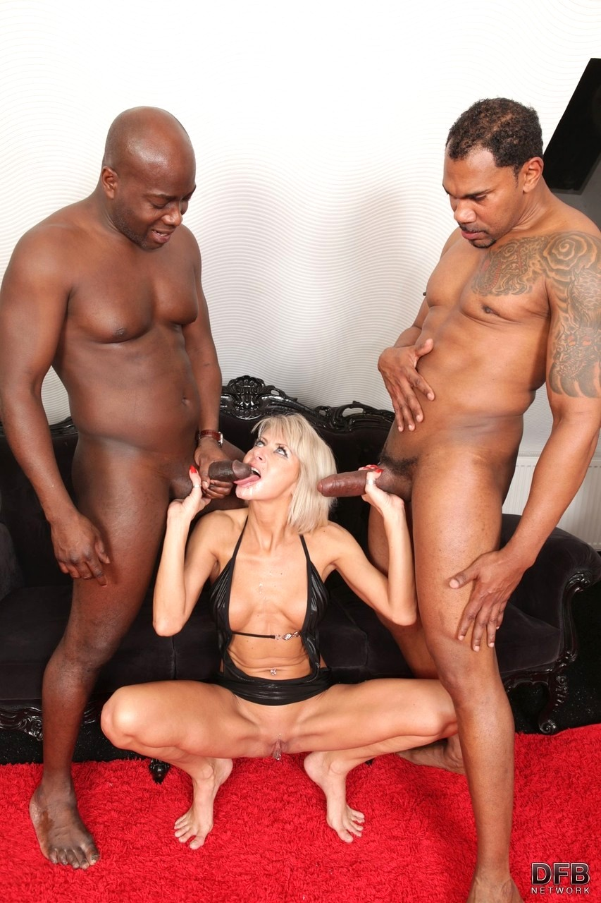 sexy-cougar-fucked-huge-black-stud