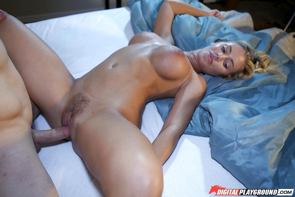 Nicole Aniston 10
