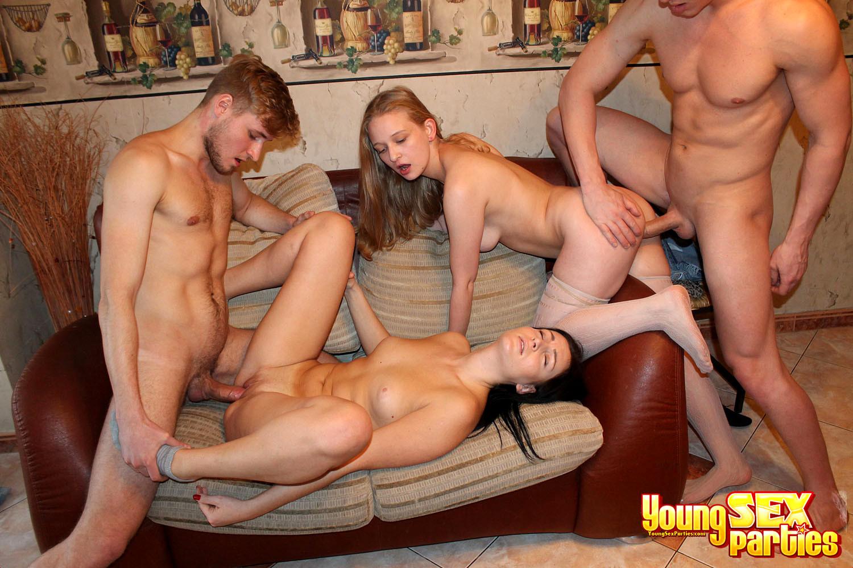 seks-russkiy-gruppa-studentov