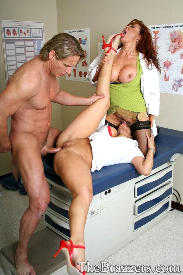 Nurse ava devine heals his huge chest with a dick patient