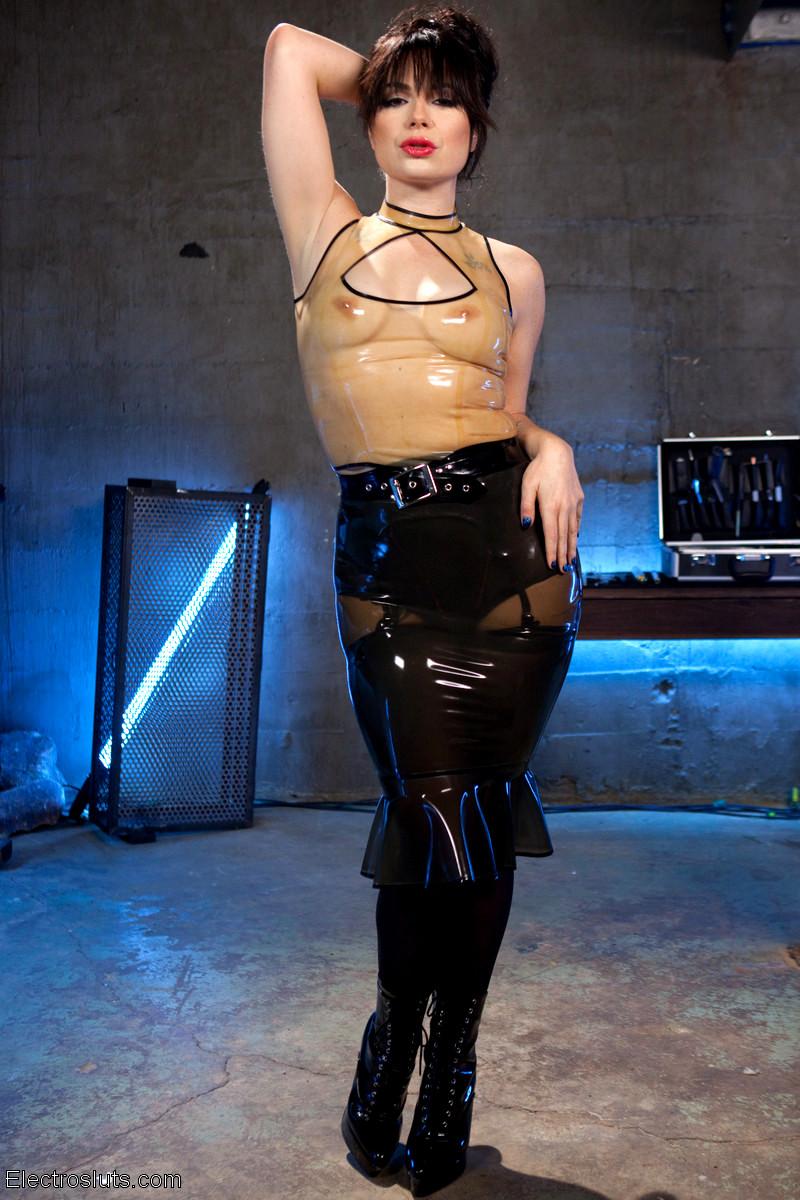 Nikki darling bdsm plumper