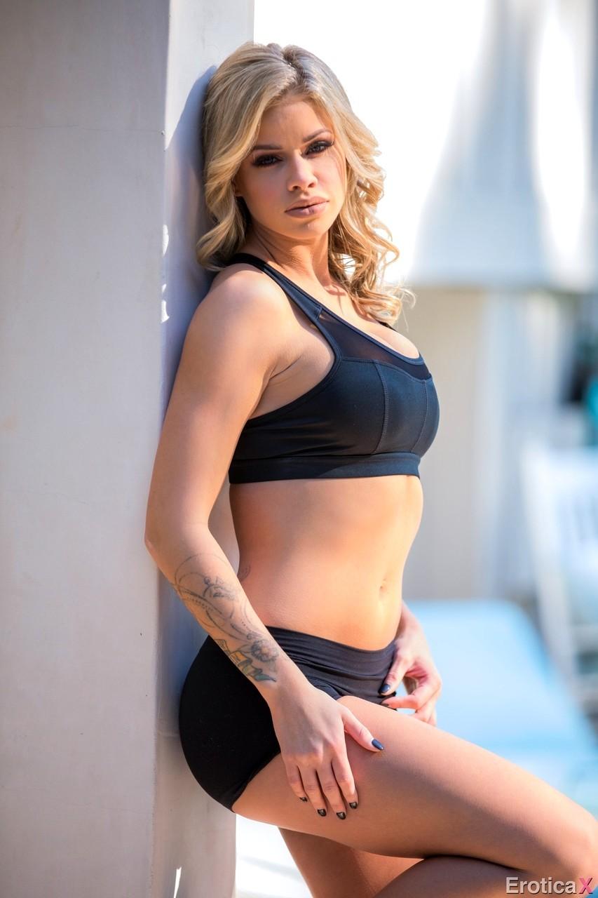 Emily ratajkowski nude uncensored